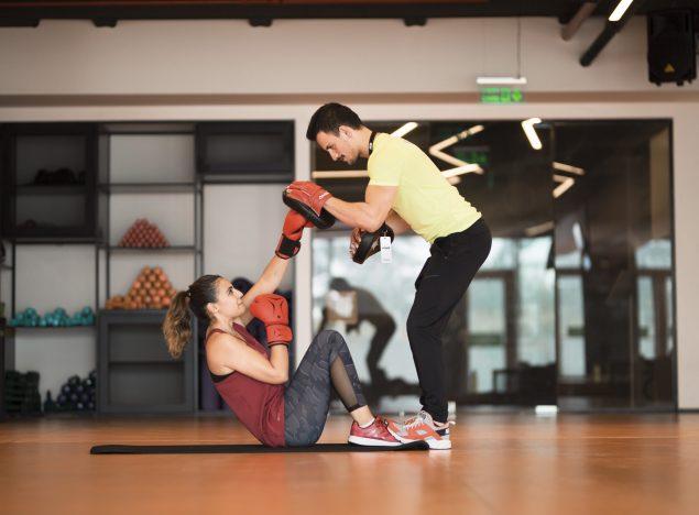 Fitness Salonu Eğitmeni